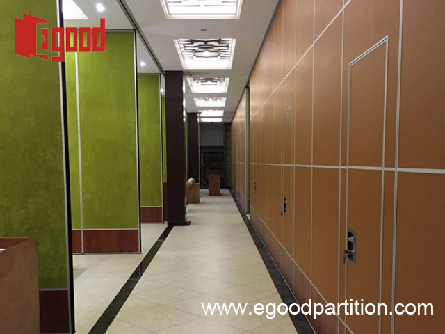 Restaurant sliding folding partition wall