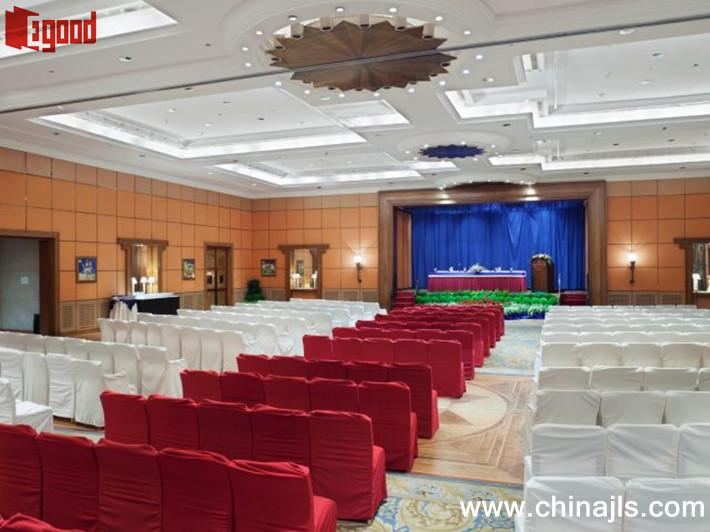 Large banquet hall movable partition wall